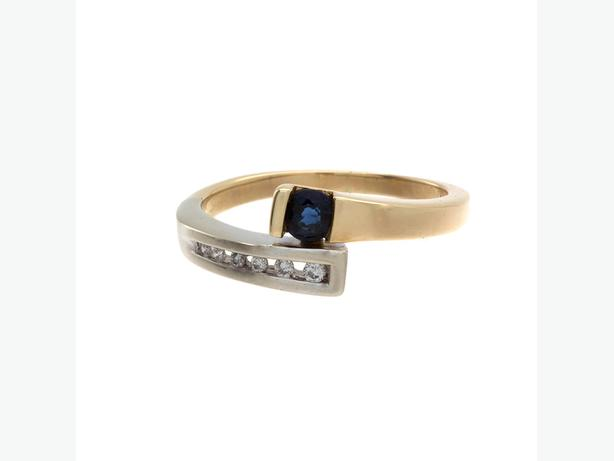 Elegant 14K Yellow & White Gold Ring w/ Sapphire & Diamonds (I-32635)