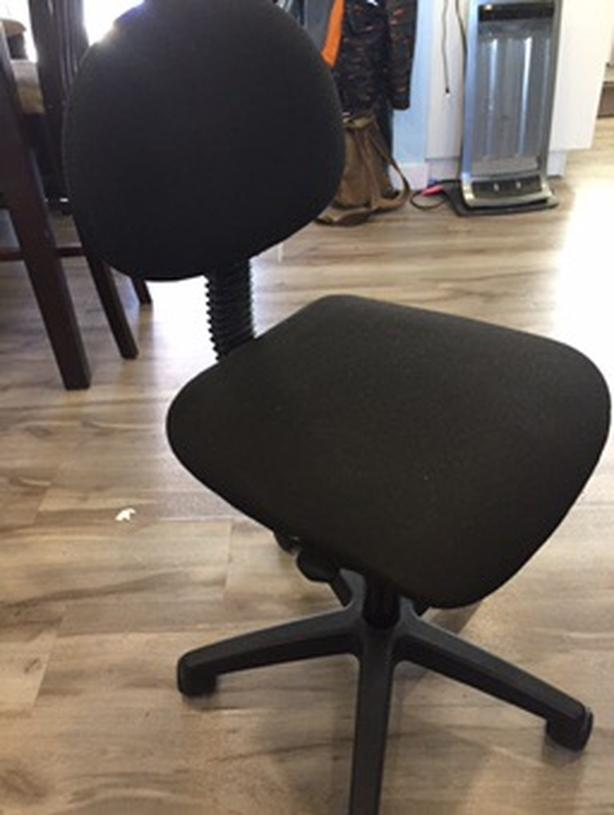 Black Rolling computer chair