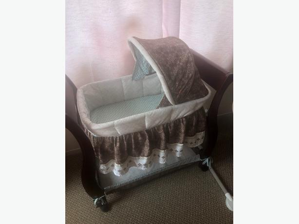 bassinet, carrier, breast pump
