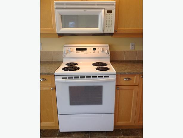 - FOR PAIR - KitchenAid Convection Range & Whirlpool Over-the-Range Microwave