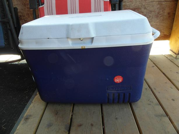 48 Qt. Rubbermaid cooler- N. Duncan