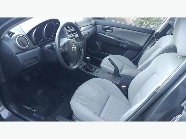 2007 Mazda 3 Hatch 5 speed *Low Kms*