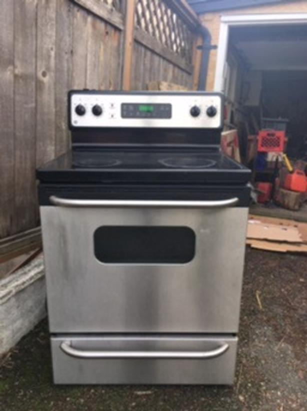GE glass top electric stove/ oven