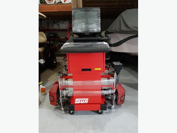 4 wheel alignment machine- Snap On