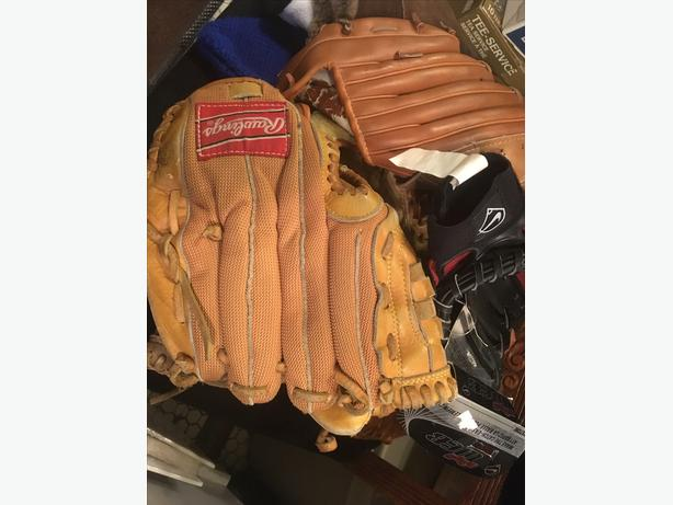 Kids baseball mitts/gloves from Rawlings, Nike and more mosty $5