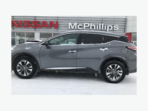 2017 Murano ONLY 2200 kms!