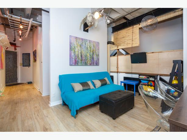Bright Downtown Studio Condo