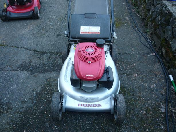 honda  mower HRR 216