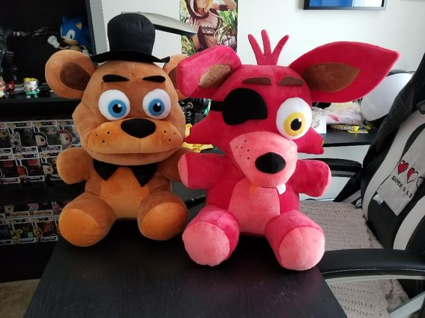 Five Nights At Freddys Huge Plushies