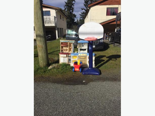 FREE: free outdoor toys!