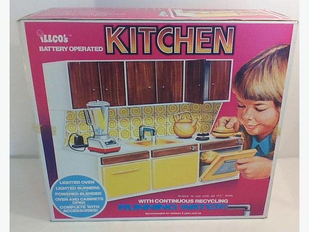 Vintage 70s Illco's Battery Operated Kitchen