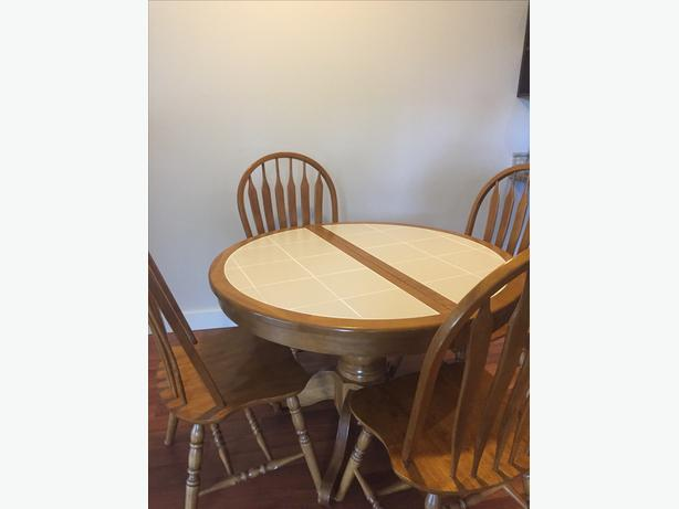 Good quality 5 piece Drop-Leaf-Table dining set