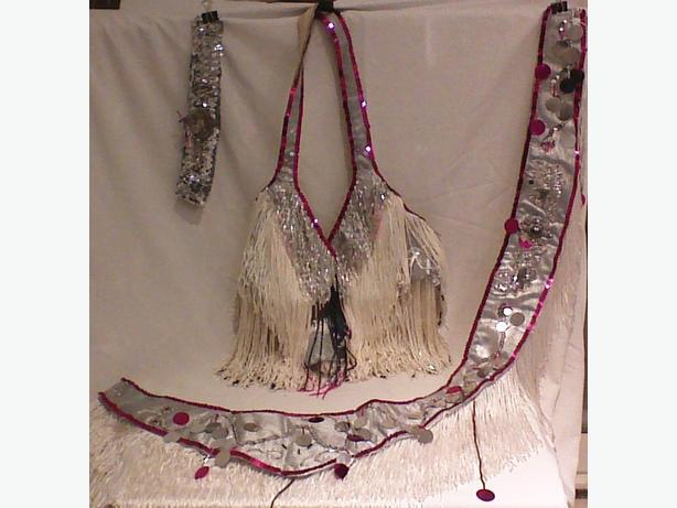 Belly dance costume with fringe