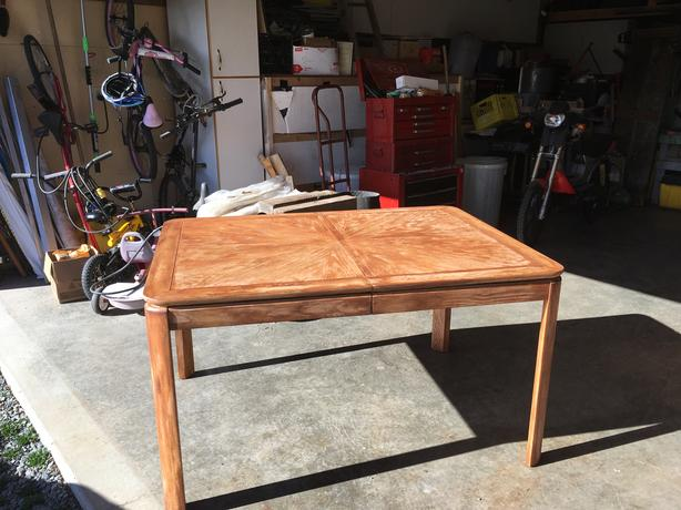 FREE: DINING ROOM TABLE