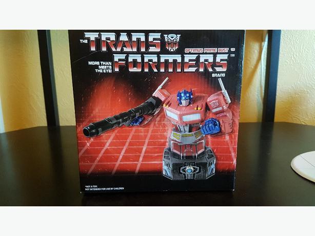 #617 of 1500 Mark Wong Optimus Prime Bust