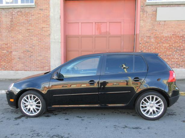 2009 Volkswagen Rabbit - ON SALE! - HEATED SEATS!