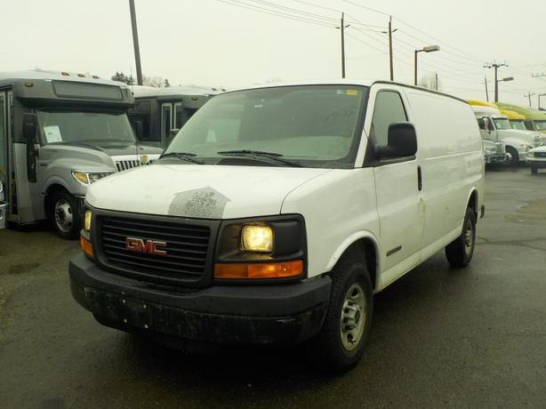 2006 GMC Savana G2500 Cargo Van