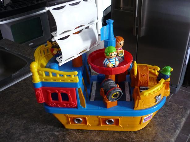 Mega Bloks Block Buddies - My Pirate Ship with Music and