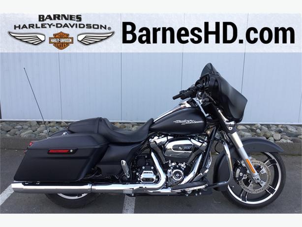 2017 Harley-Davidson® FLHXS - Street Glide® Special