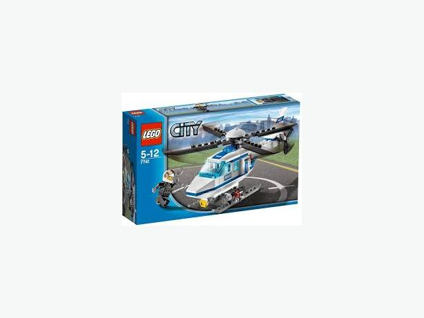 Lego City Police Helicopter 7741discontinued Excellent Complete