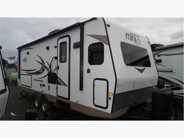 2018 Forest River Rockwood Mini Lite 2506S -