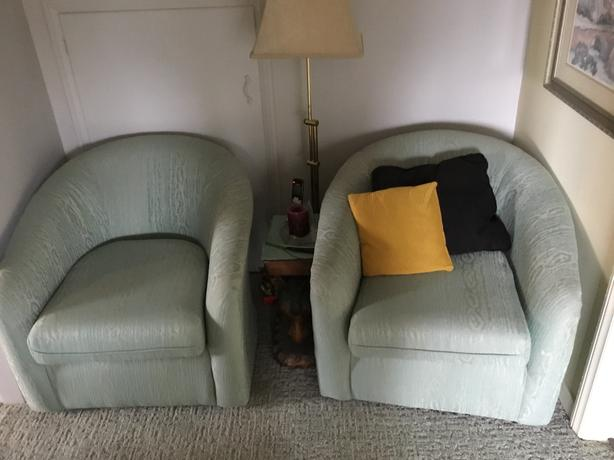 Swivel occasional chairs