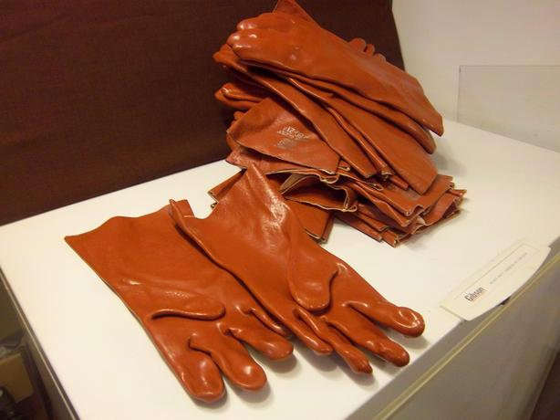 Bemac Rubber gloves   NEW ))REDUCED((