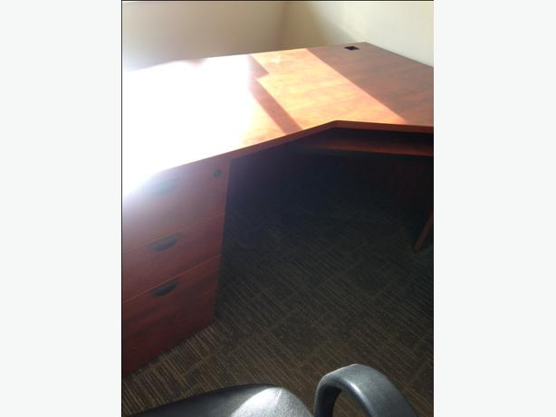 Large modular office desk