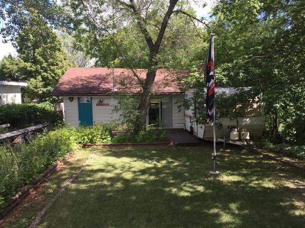 Regina Beach Cabin / Cottage for rent