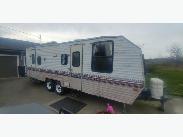 Nomad Travel Trailer  Foot