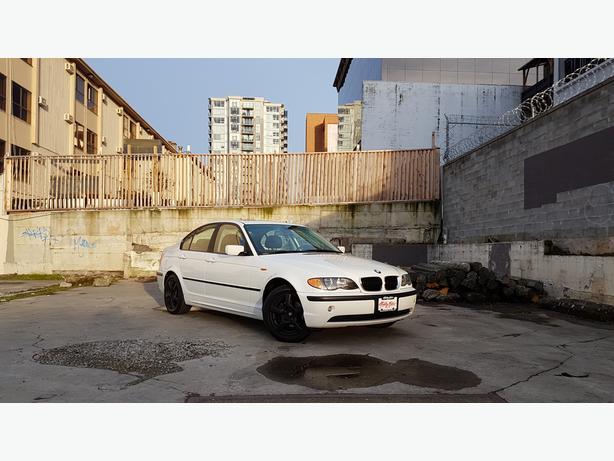 ** 2004 BMW 320i - AUTO - 113K - LEATHER - 5 SPEED MANUAL
