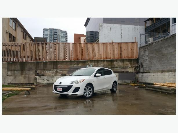 ** 2010 MAZDA 3 HATCHBACK - ONLY 109K - 5 SPD.