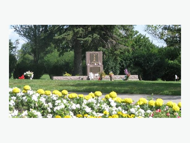 Mountain View Memorial Gardens Deluxe Package Save $3500