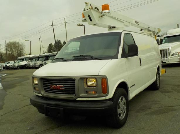 1999 GMC Savana G3500 Cargo with Boom Lift and bucket