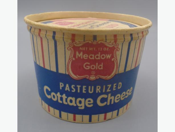VINTAGE 1960s MEADOW GOLD COTTAGE CHEESE (12 OZ.) CARTON CHICAGO