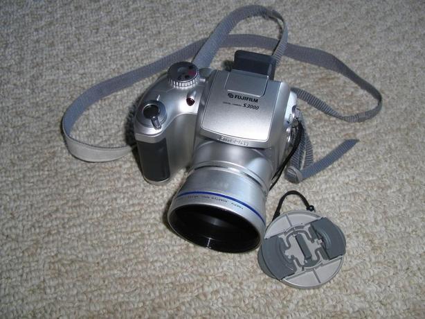 Fuji Finepix (S3000) Digital Camera and Accessories