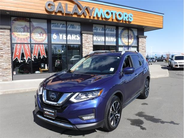 2017 Nissan Rogue SL PLATINUM- Leather, Memory Seats, Back Up Cam