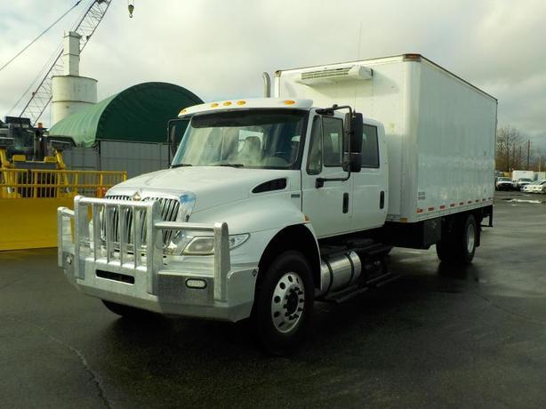 2013 International Durastar 4400 18 Foot Cube Van Reefer Van Manual Diesel with