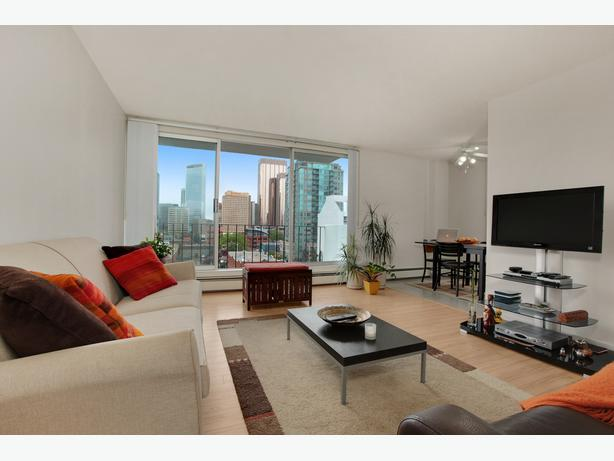 Beltline Studio Calgary Rentals! Downtown SW C-Train & 17th Ave!
