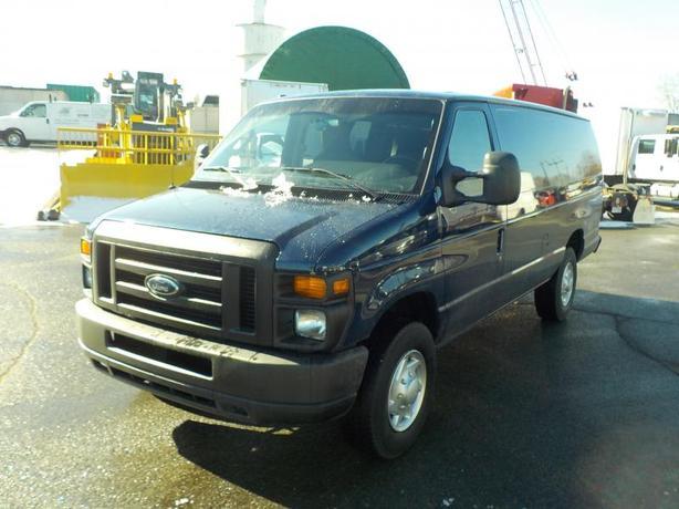 2012 Ford Econoline E-350 Super Duty Extended 5 Passenger Cargo Van