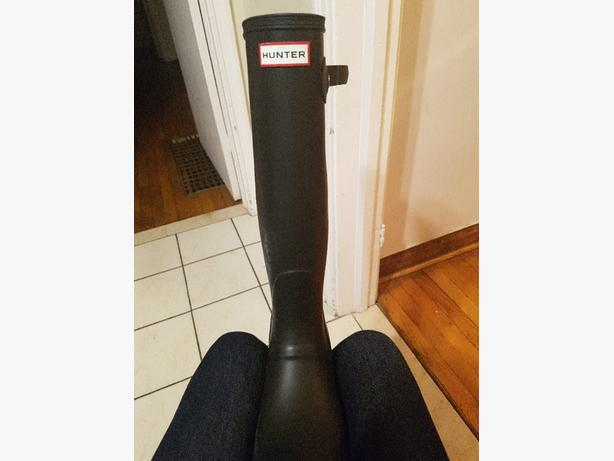 SIZE 10 Brand new Hunter boots