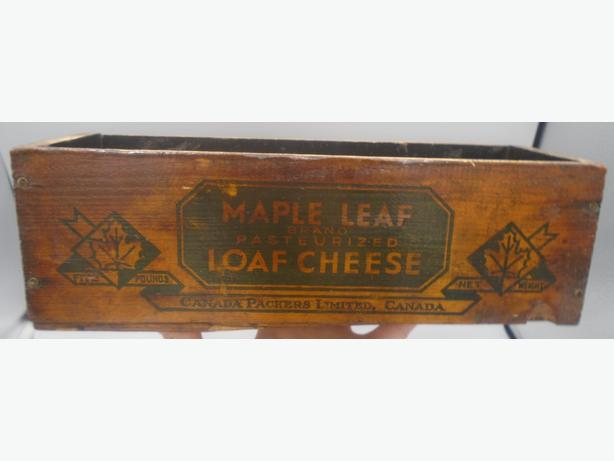 VINTAGE 1930's MAPLE LEAF LOAF CHEESE (5 LB.) WOODEN CRATE