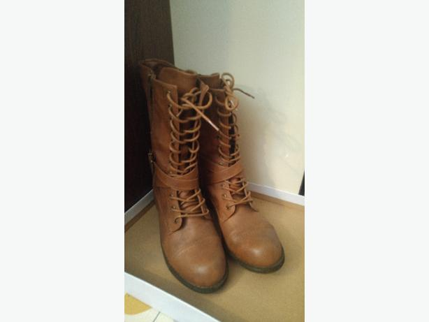 Combat boot size 9