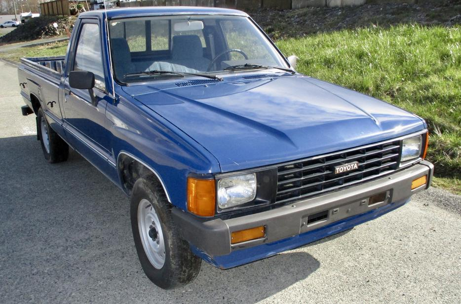 Salmon Arm Toyota >> low mileage 1985 toyota 22r auto 2wd long box pickup tacoma hilux Outside Victoria, Victoria
