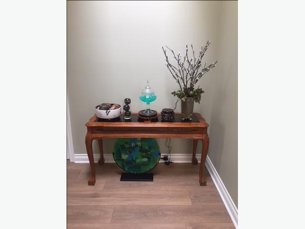 Entryway Table and Decor
