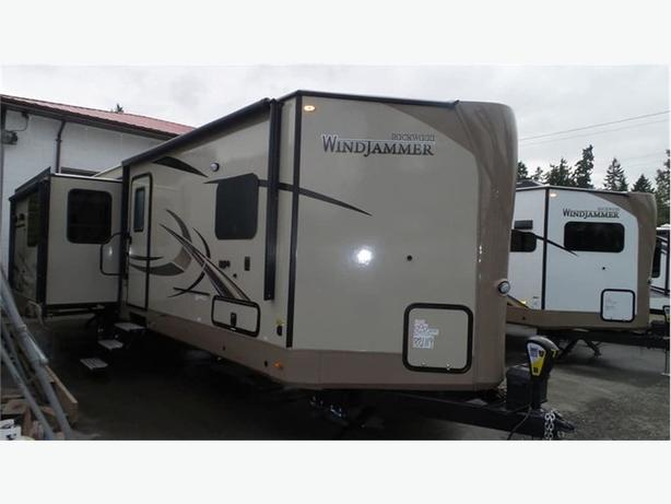 2018 Forest River Rockwood Windjammer 3029W -