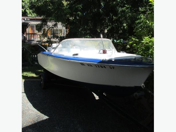 1958 Reinell Jetabout Classic Fiberglass Boat Outside Metro