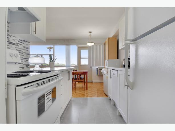 New 3BD in Etobicoke! Bloor, Downtown, High Park Access!