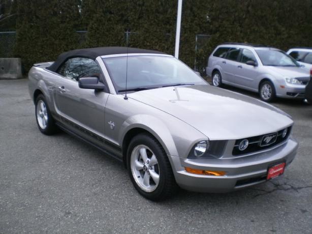 2009 Ford Mustang Convertible V6