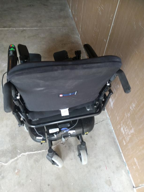 Electric Wheelchairs-excellent condition,standard/bariatric,